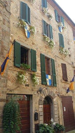 Montone, Itália: Scorcio.