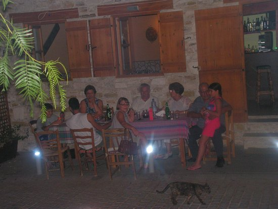 Kalavasos, Chypre : enjoy traditional dishes !