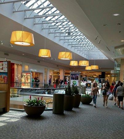 Trumbull Mall August 2016