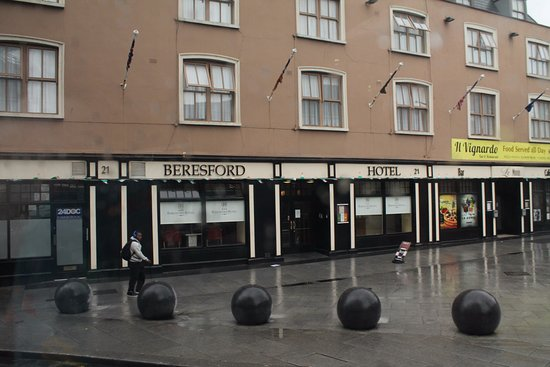 Il Vignardo Restaurant: In the Beresford Hotel.