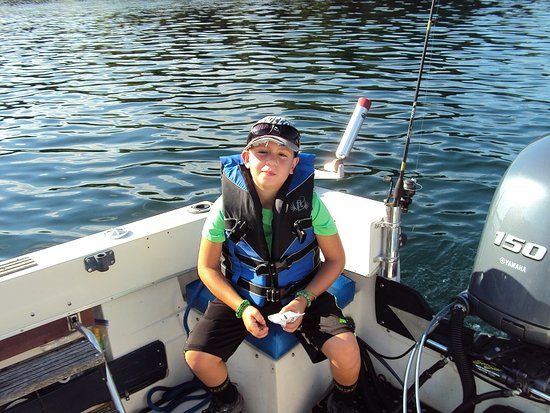 Gananoque, Canadá: Ryan had a great time learning how to catch fish with Dan Spencer. Great Job!