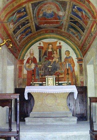 Riolunato, อิตาลี: altare madonna del caio