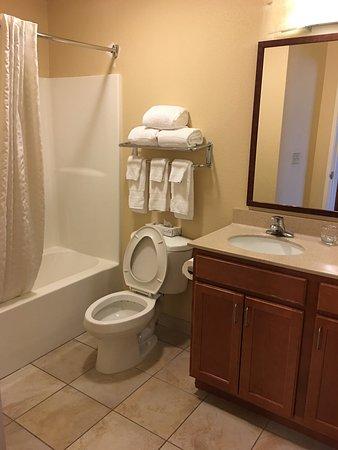 Candlewood Suites Fayetteville-Univ. of Arkansas: photo2.jpg