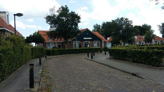 De Lange Jammer is een B&B op het voormalige werkeiland van Lelystad. Wij werden door Alexander