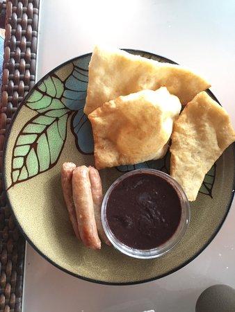 Caribbean Shores Bed & Breakfast: fry jacks and beans breakfast