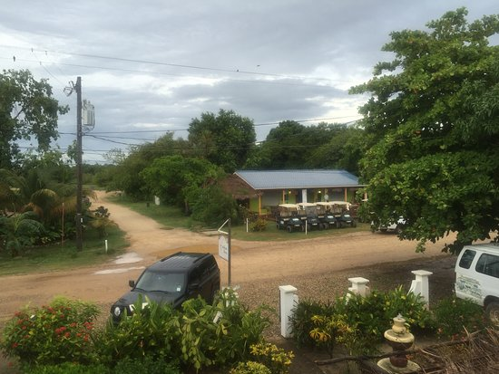 Caribbean Shores Bed & Breakfast: View of the road from the second floor
