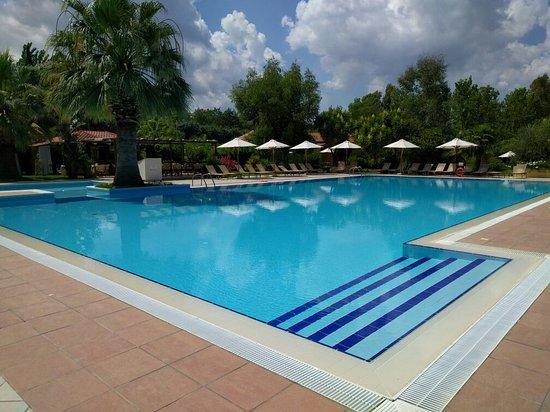 Calalandrusa Beach Resort