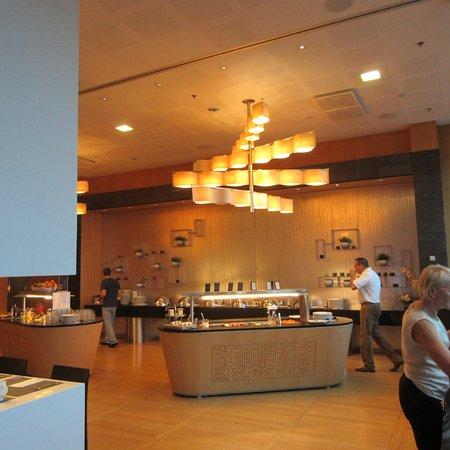 Vantaa, Finland: Breakfast Buffet, Hilton Helsinki Airport