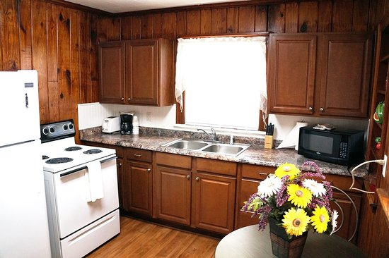 The Ziegler Hotel Rooms, Suites, Cottages: Abbot Cottage Kitchen