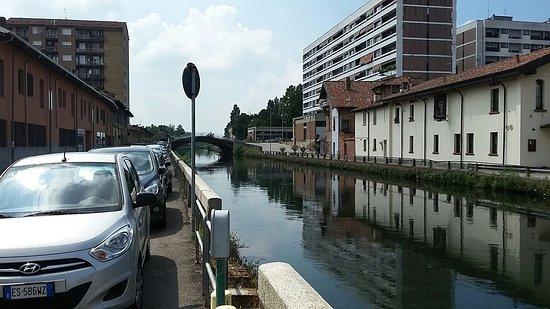 Trezzano sul Naviglio, Italien: Il panorama fronte al ristorante. Il Naviglio Grande.