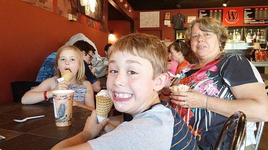 Ellensburg, WA: Nana, Oliver & Ella approved also!