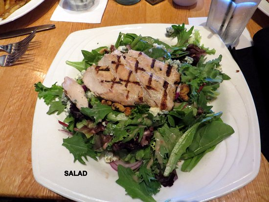 Plymouth, MI: Salad with Chicken