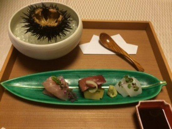 Fukiya: 駿河湾のウニとお刺身