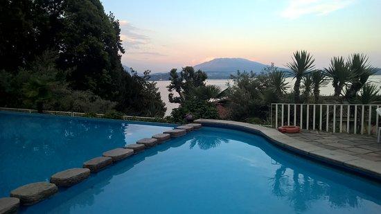 Belgirate, Italia: Vista sul lago