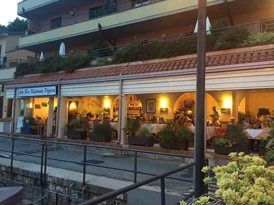 Ristorante Pizzeria Fior di Roccia: Main Restaurant