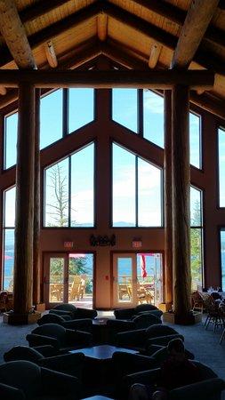 Tsa-Kwa-Luten Lodge: Lobby