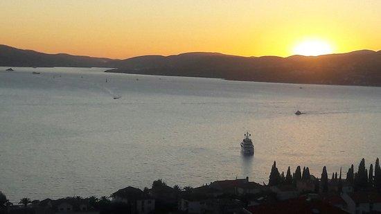 Čiovo, Chorwacja: 20160813_195553_large.jpg