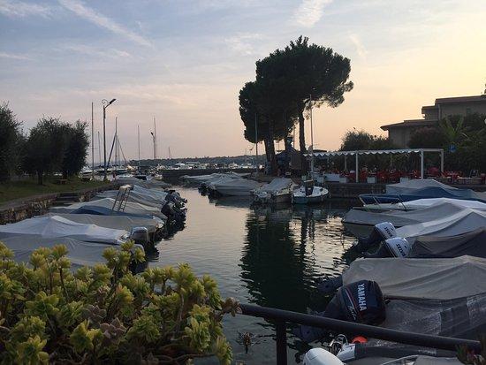 Ristorante Pizzeria Fior di Roccia: Overlooking the Little Port
