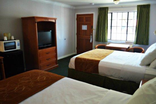 วูดแลนด์, แคลิฟอร์เนีย: 2 Queen Room