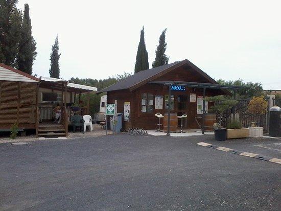 Nissan-lez-Enserune, Frankrijk: L'accueil