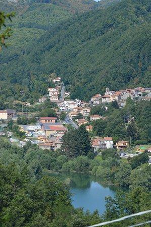 Minucciano, Ιταλία: Lago di Gramolazzo