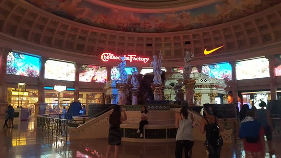 The Cheesecake Factory: En plaza atlantis
