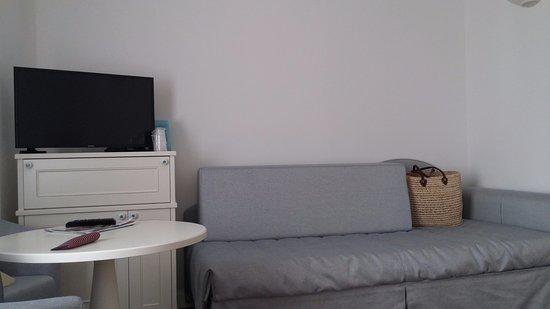 Piccolo angolo soggiorno - Picture of La Goletta Hotel Garni ...