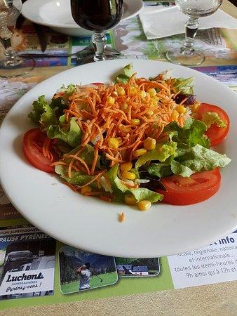 Bagneres-de-Luchon, França: Assiette de crudités