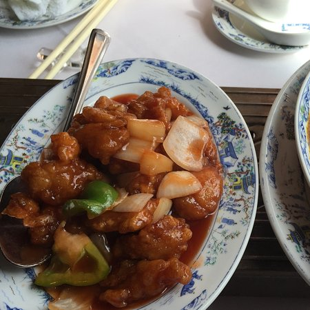 Yeung Sing Restaurant: Sweet and sour chicken/ beef curry