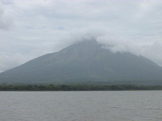 Moyogalpa, Nicaragua : Smoking Concepcion