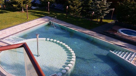 El Tarter, อันดอร์รา: Der Pool war zu keiner Zeit überfüllt