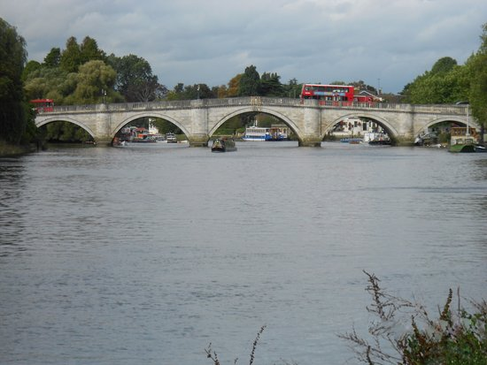 Richmond bridge london
