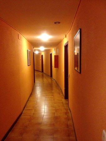 Pla de l'Ermita, España: Pasillo del rellano