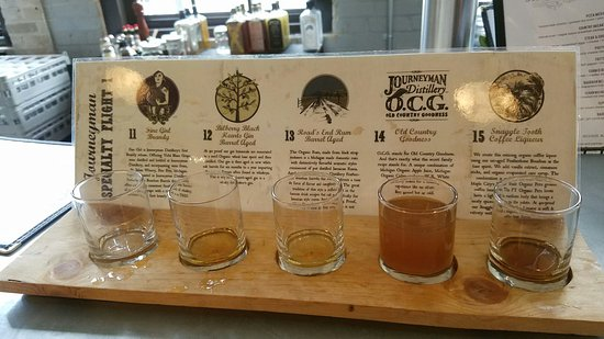 Three Oaks, MI: Journeyman Specialty flight....brandy, barrel aged gin, rum, coffee liquor