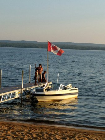 Golden Lake, Canada: IMG_20160819_192012_large.jpg