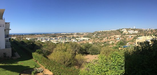 Encosta da Orada: Beautiful grounds and fantastic views