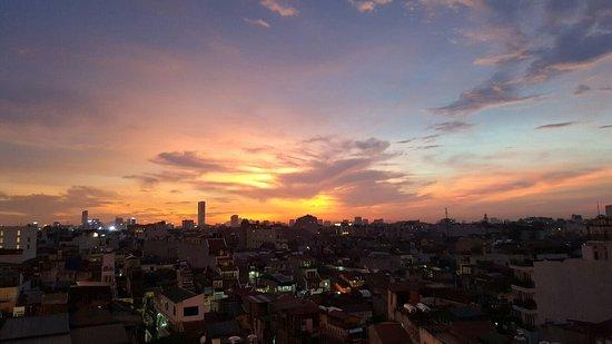 Hanoi Tirant Hotel: 20160817_184146_large.jpg