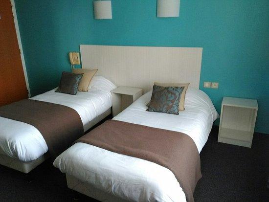 Alencon, França: Chambre 2 lits 1 personne