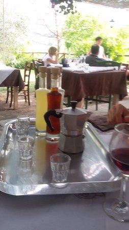 Roncofreddo, Italy: digestivi con moka del caffè