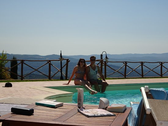 La Quercia di Giada B&B: The pool and the beautiful view