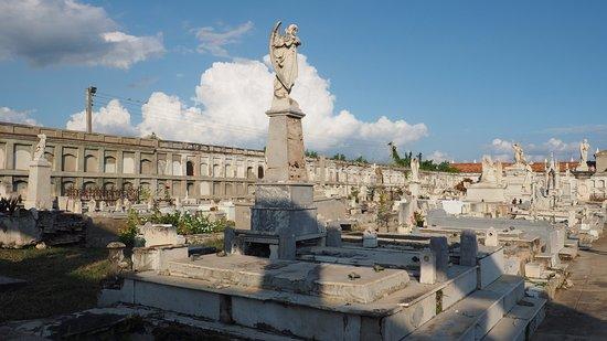 Cementerio la Reina