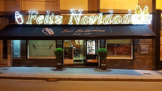 Pola de Siero, Spanien: Bar Belarmino. La Casa del Gin-Fizz
