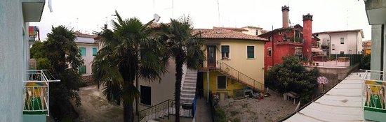 Hotel Antonella : Вид с балкона прелестный