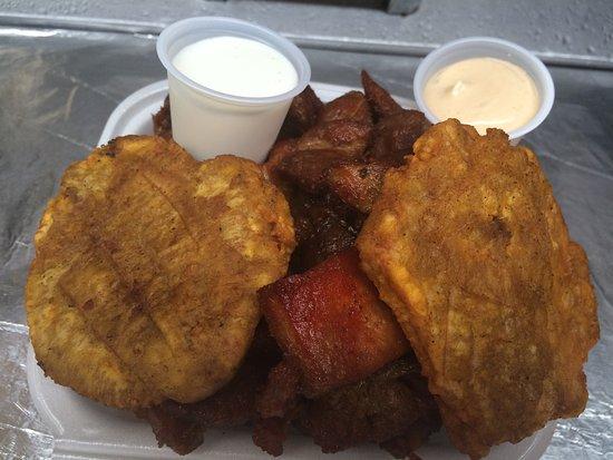 Esperanza, Puerto Rico: fried pork,fried plantain