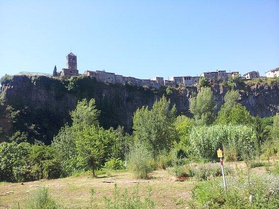 Castellfollit de la Roca, España: De lejos