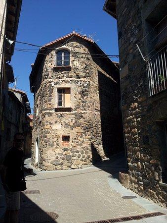 Castellfollit de la Roca, España: Casas