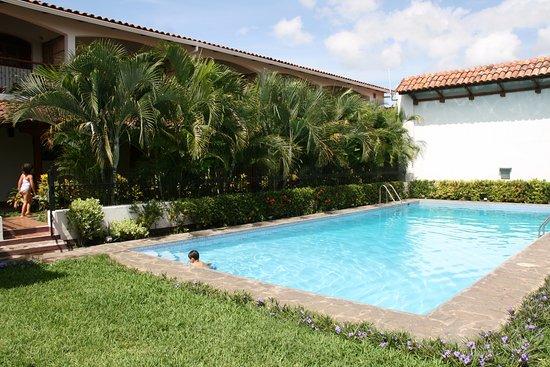Hotel Cacique Adiact: Pool
