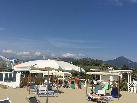 Piscina foto di bagno costa azzurra marina di pietrasanta tripadvisor - Bagno italia marina di pietrasanta ...