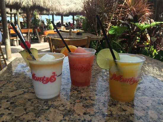 Monty's Raw Bar: All fresh ingredients for a hot summer day in paradise!