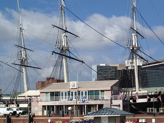Inner Harbor: Shops and ships